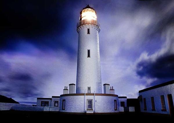 Lighthouse - Mull Of Galloway by dazzi_b