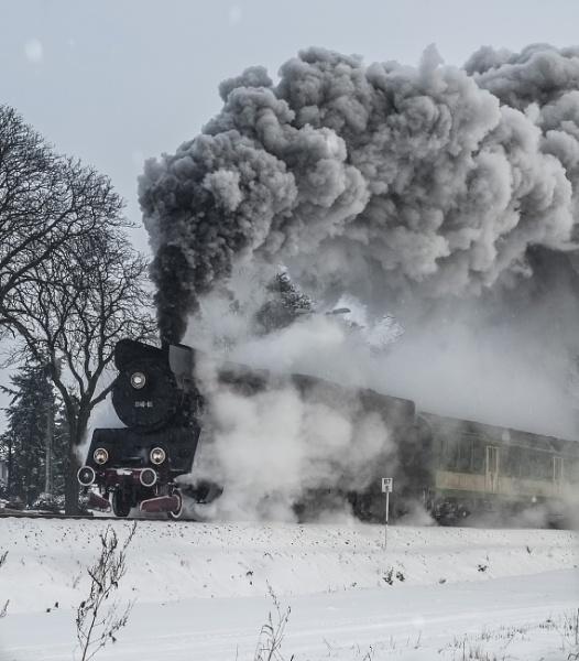 Steam train by orygenes