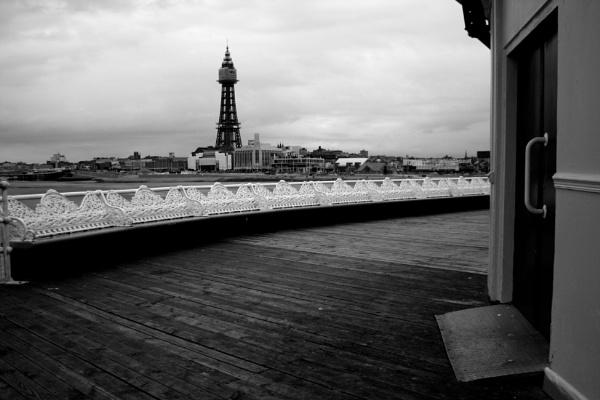 From Blackpool Pier by desborokev