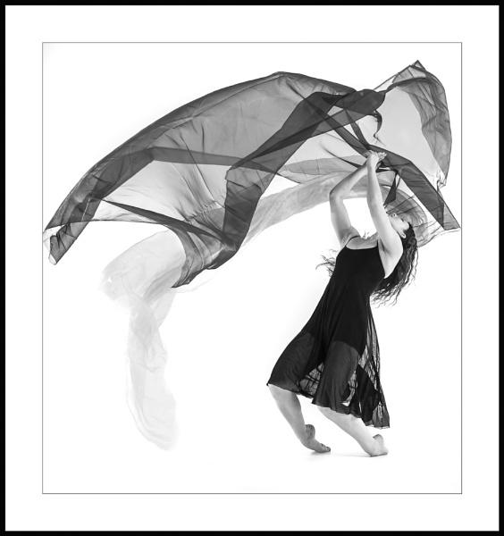 dance by aliphoto