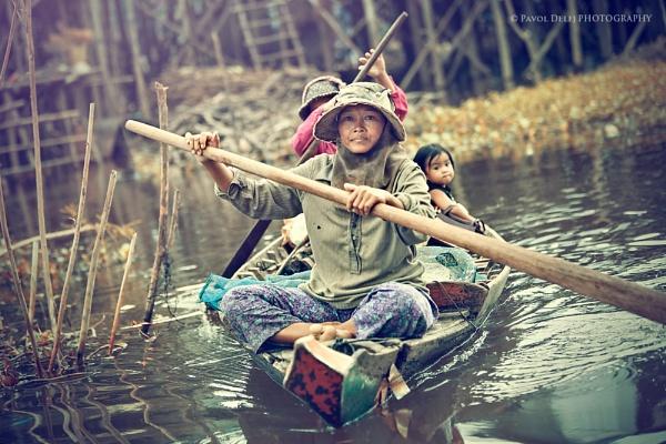 Sailing by d3looo