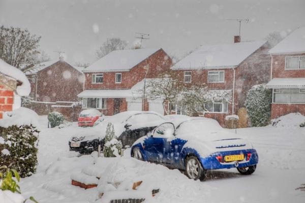 Snow in Glastonbury by livinglevels