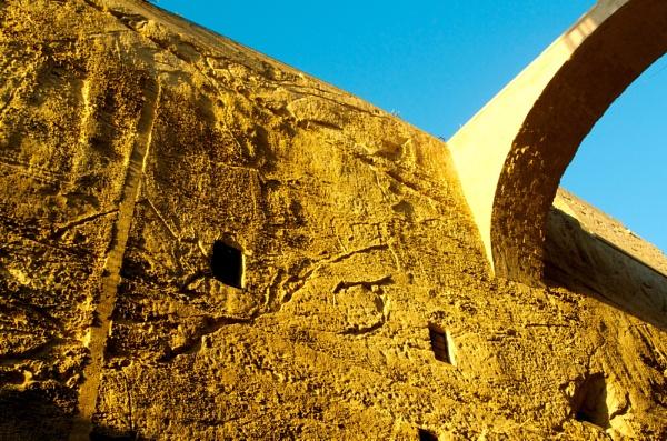 A Few Cuts Under The Stone Bridge by wenzu78