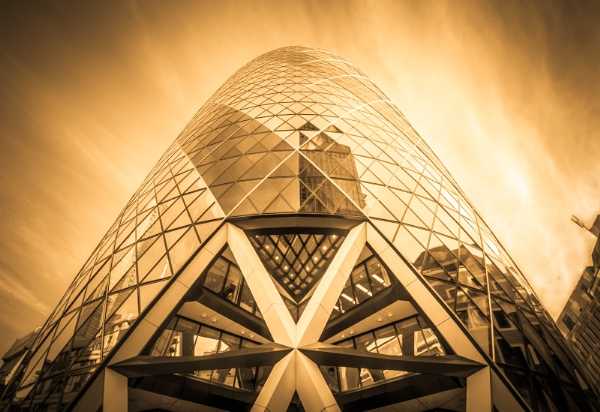 30 St Mary Axe (The Gherkin) by JamesFarley