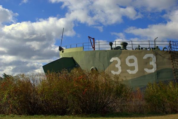 LST 393 by Kobywan