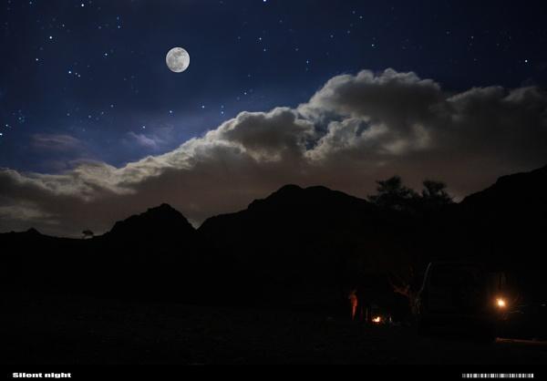 Full moon / Silent night by astyag