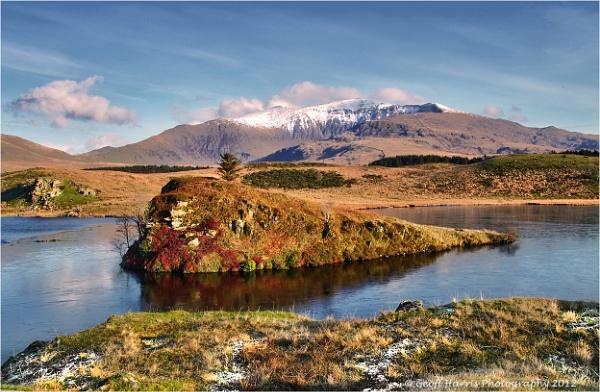 "\""Llyn Dywarchen\"" looking towards the summit of Snowdon. by Trout_Man"