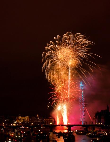 Happy New Year!! by RazvanD