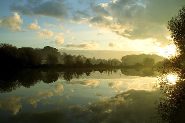 Autumn Lake reflection by Glen-W