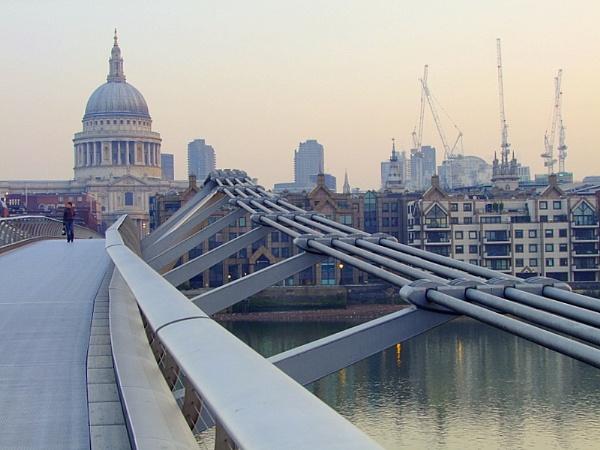 St. Paul\'s  and  the  Millenium  Bridge by pantheonrider