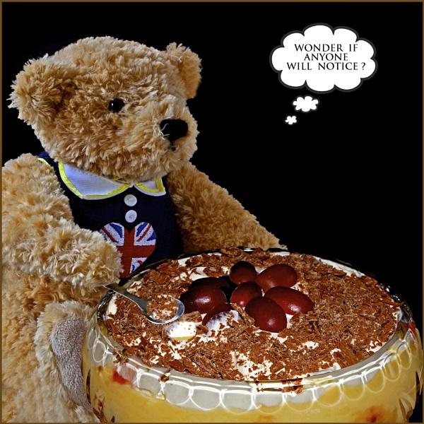 "\""Naughty Teddy\"" by RonnieAG"