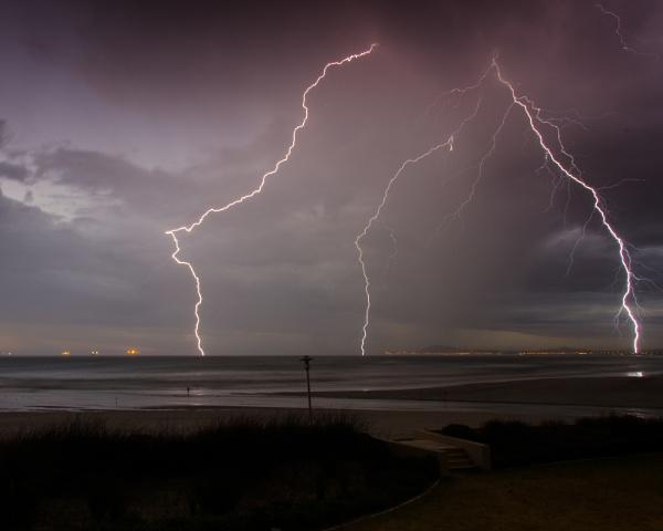 Electric sky by paul_indigo