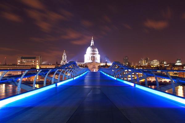 Millennium Bridge by bigstorks