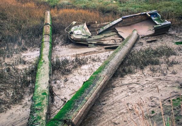 Shipwreck by Bingsblueprint