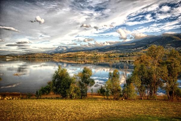 Tasmanian landscape by sylwia_sylwia