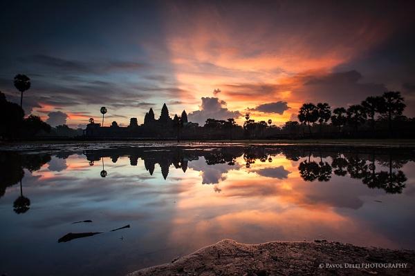 Angkor Wat by d3looo