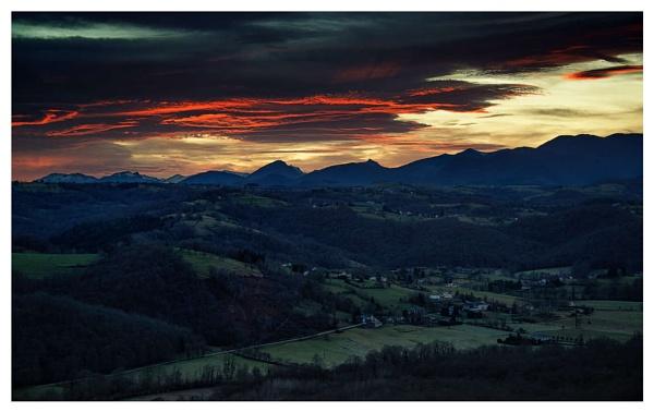 Mount Doom by Escaladieu