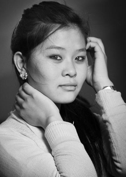 Mono Portrait by Lakeyw