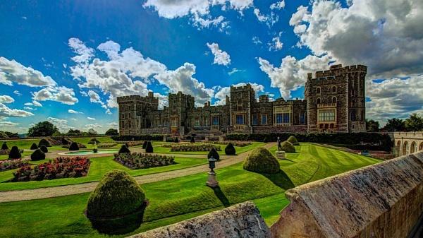 Windsor Castle Garden by yddet
