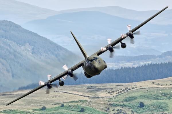 C-130 Hercules by GlenP