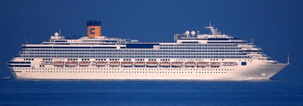 Costa Concordia by ink_weaver