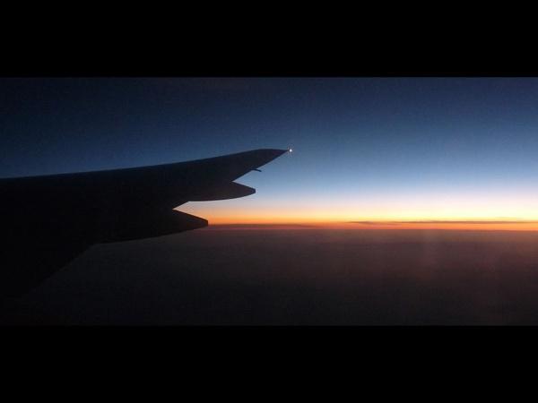 Sunrise at 36000 feet by tonyng