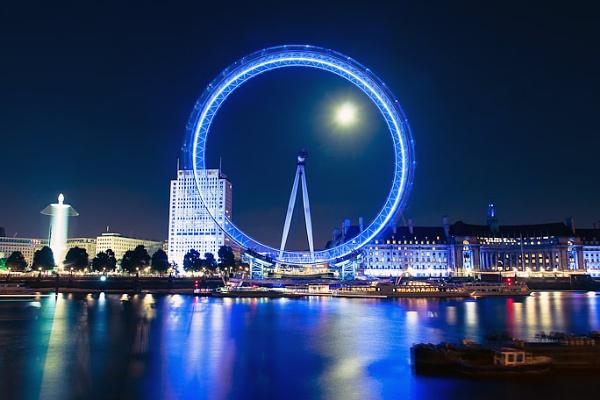 London Eye by Moonlight by TimJ