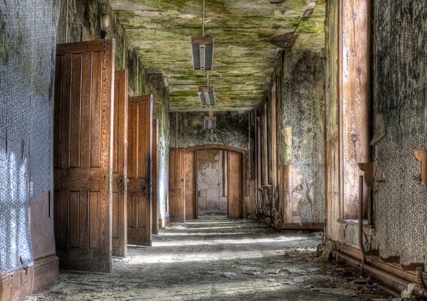 corridor by amanda0102