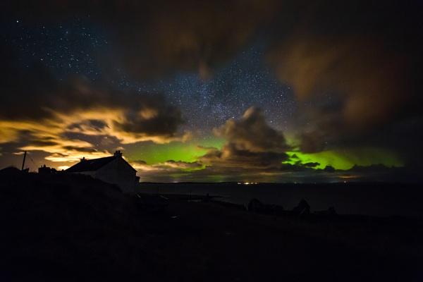 aurora over shetland by ireid7