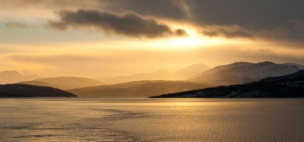 Nordic Sunset by suemason