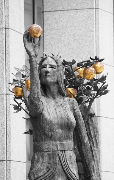 Statue by kevtrucker