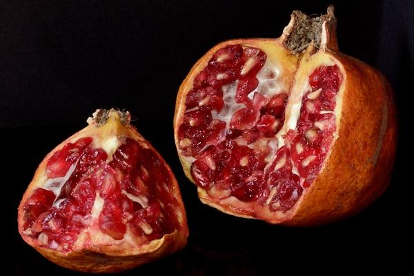 Pomegranate by Genuinedabber