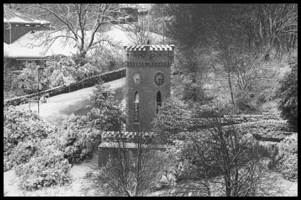 Stocksbridge Clock Tower/War Memorial by andy3671