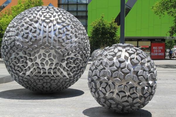Huge Objects by photopix12