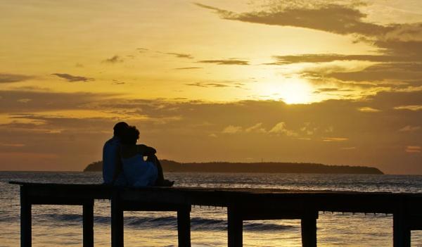 Calhau sunset by Caveira09
