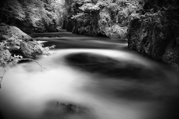 Fairy Glen Gorge by garethpartington