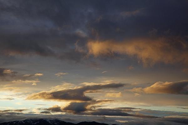 Lofoten sunset by adrian_w