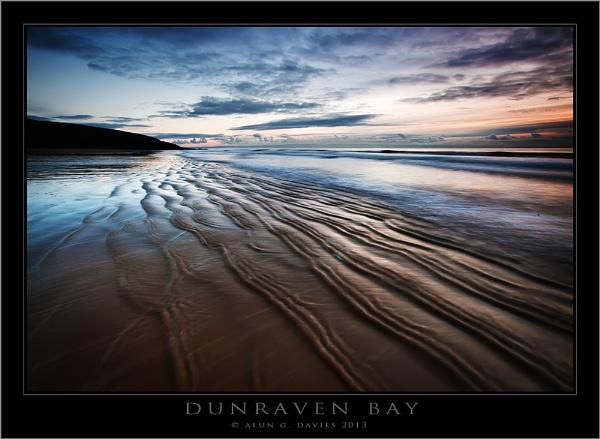 When wave meets wave by Tynnwrlluniau