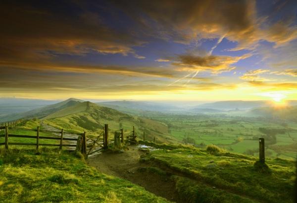 sunrise on mam tor by KONIN