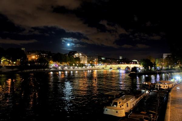 Paris - La Seine by jovanovic