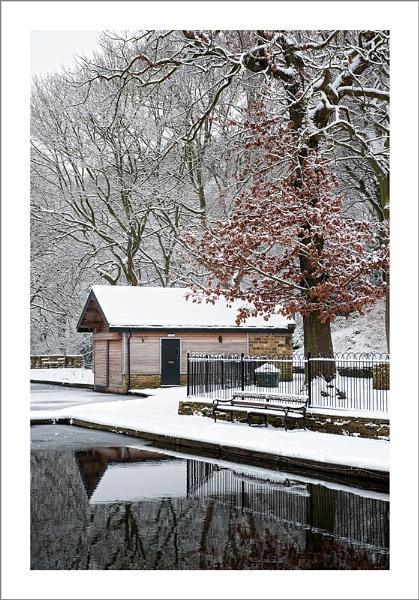 Shibden Boathouse by petejeff