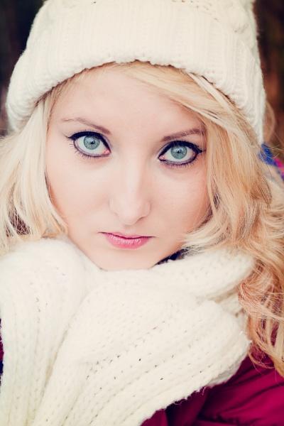 Winter portrait by EwaG