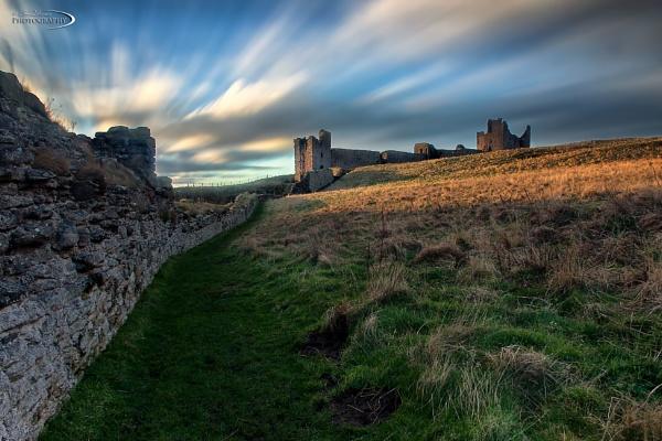 Dunstanburgh Castle by Ian71