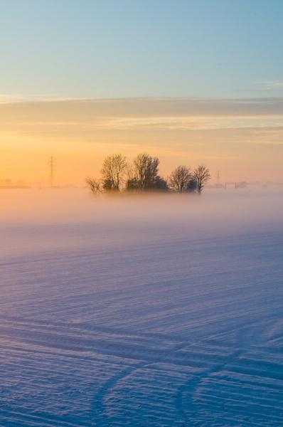 Mist, sunset, snow by StuartAt