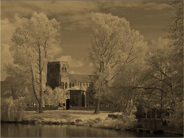 Shrewsbury Abbey by emlad