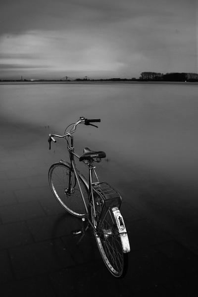 Noir et blanc 240s by saeidNL