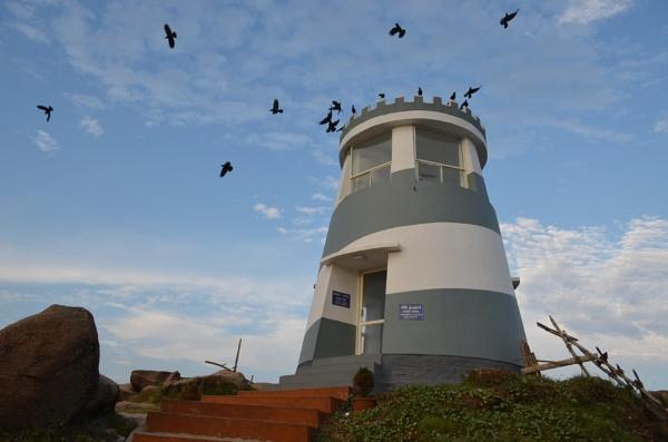 Coast guard tower by tashi