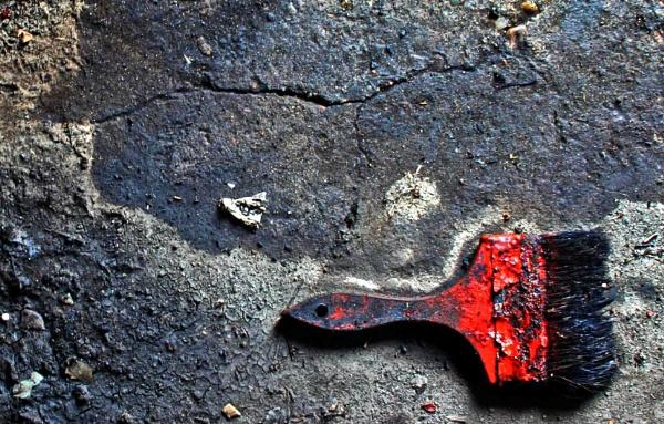 Brushing Over The Cracks by desborokev