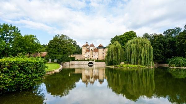 Petit Chateau by suemason