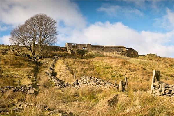 Deserted Pennine Farm by phil99
